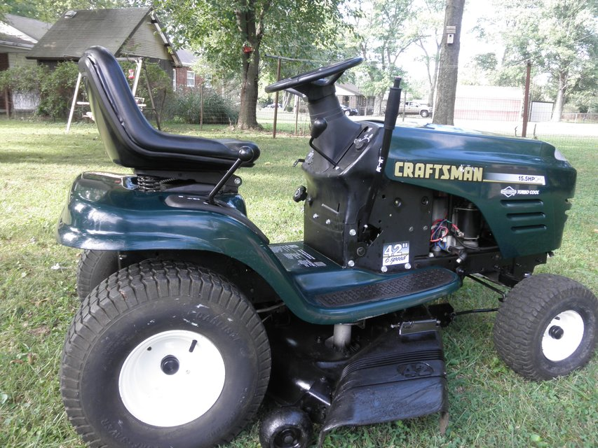Craftsman Lt1000 Riding Mower >> Riding Mower - Stuff For Sale in Clarksville, TN - Claz.org